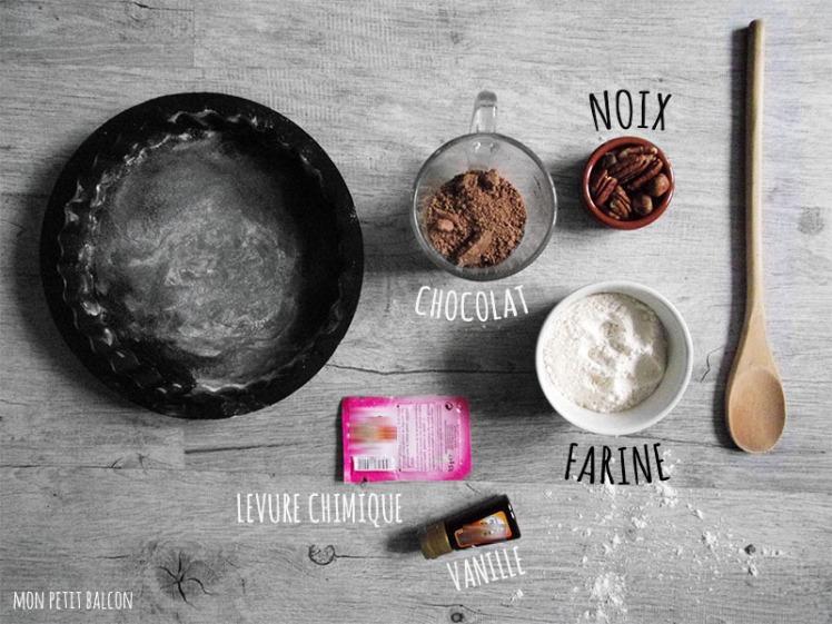 chocolat, noix, farine, levure chimique, vanille